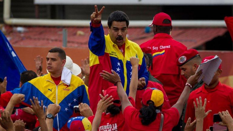 Nicolás Maduro, llama a estar alerta a la población contra la amenaza burguesa
