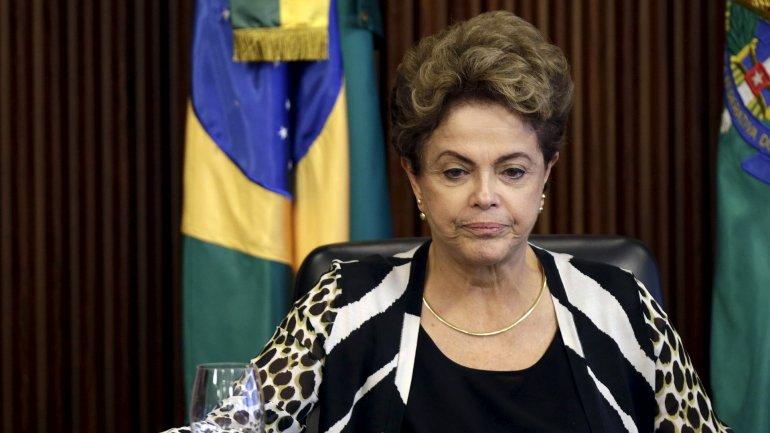Dilma Rousseff está inmersa en una grave crisis política y económica