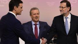 El presidente del gobierno español, MarianoRajoy, y el líder del PSOE, PedroSánchez
