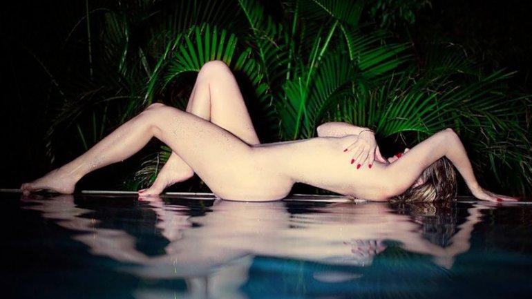 Khloe Kardashian posó desnuda durante unas vacaciones en el Caribe