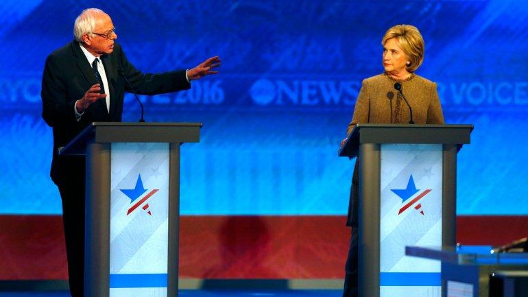 Hillary Clinton y Bernie Sanders lideran la intención de voto demócrata