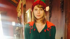 Taylor Swift se disfrazó de duende para Navidad