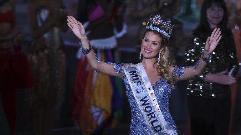 La catalana Mireia Lalaguna fue coronada Miss Mundo 2015