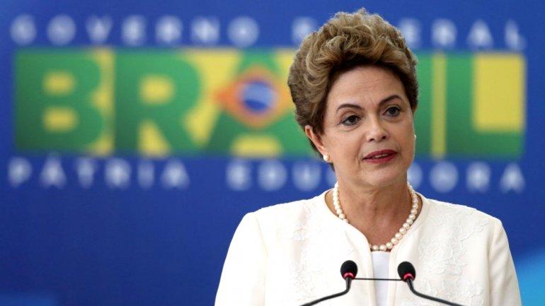 La presidenta brasileña Dilma Rousseff no para de sufrir con los informes que auguran una continuidad de la crisis económica.