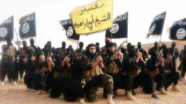 Los terroristas del Estado Islámico pasaron a cobrar la mitad de su sueldo