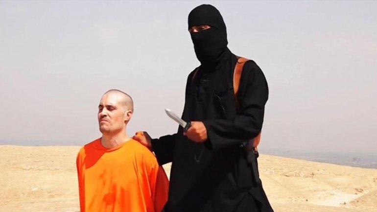El yihadista John decapitó a James Foley en el primer video que publicó ISIS para amenazar a Estados Unidos