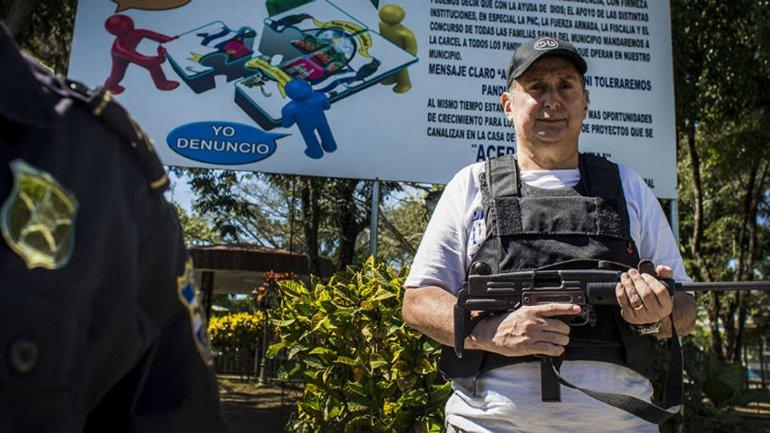 Mauricio Arturo Vilanova, el alcalde de San José Guayabal, combate la delincuencia en las calles