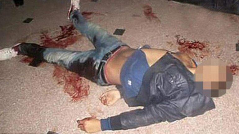 Uno de los agresores, que fue abatido por las fuerzas de seguridad