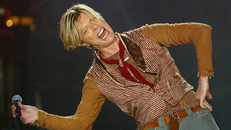 David Bowie durante un concierto el 17 de noviembre en Machester