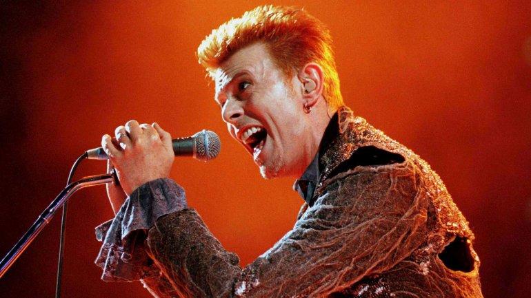 Bowie en el estadio Panathinaikos de Grecia en julio de 1996