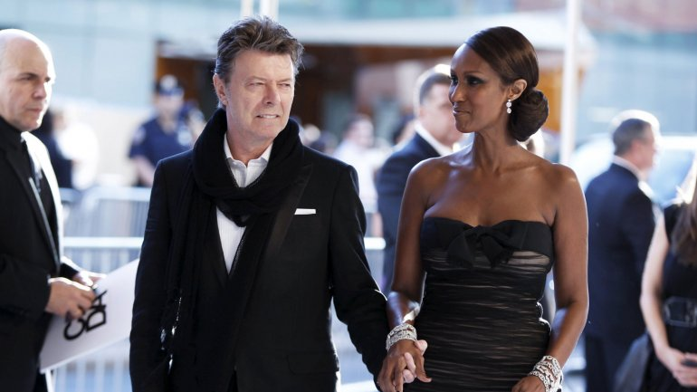 Bowie con su esposa Iman, en Nueva York en 2010
