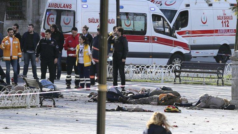Una fuerte explosión que se ha producido cerca de la Mezquita Azul de Estambul, en la turística zona de Sultanahmet