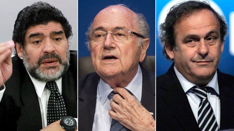 Diego Armando Maradona, Joseph Blatter y Michel Platini