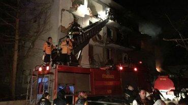 Un coche bomba explotó frente al edificio