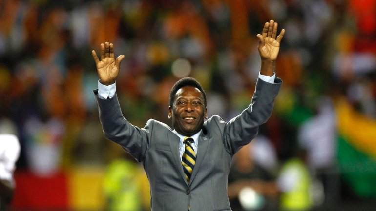 Pelé deberá realizar rehabilitación hasta febrero