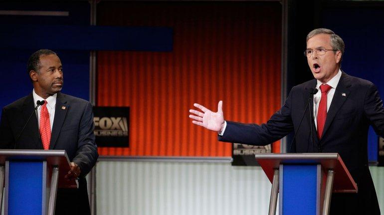 Ben Carson y Jeb Bush en el sexto debate republicano