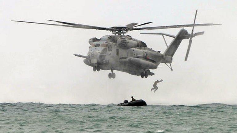 Los entrenamientos de los Marine Corps se realizan habitualmente a baja altura