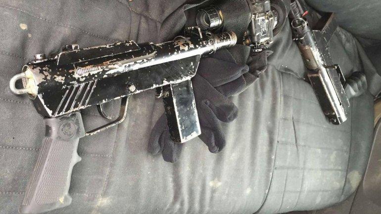 Las armas que cargaban los sospechosos palestinos