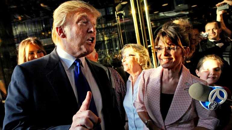 Donald Trump junto a Sarah Palin, referente del Tea Party