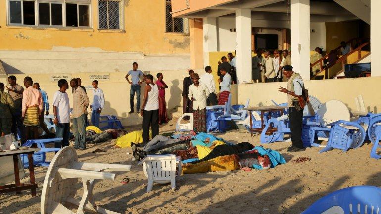 El asalto se llevó a cabo en un restaurante de una playa de Mogadiscio