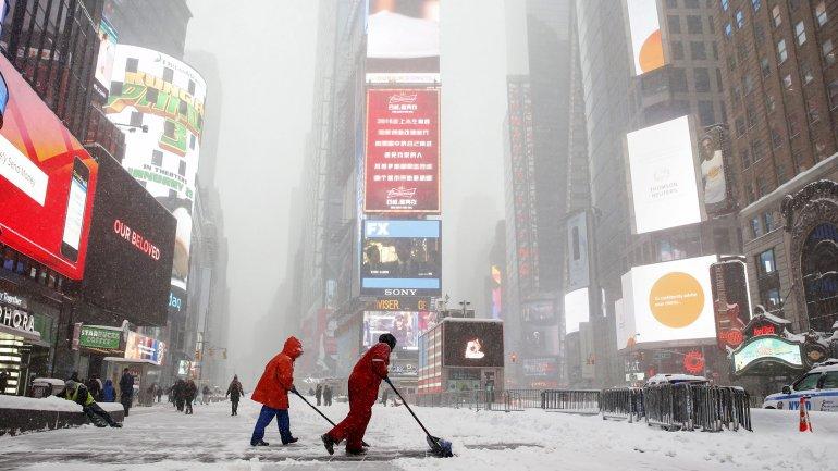 Se calcula que caerán hasta 75 centímetros de nieve este sábado en la ciudad de Nueva York