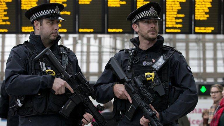 Más de cinco mil efectivos fueron desplegados por las calles del Reino Unido para evitar ataques terroristas