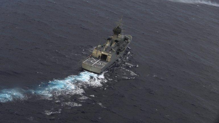 Barcos australianos realizan las tareas de búsqueda de los restos de la aeronave
