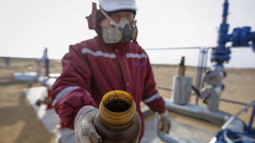 Los consumidores se beneficiaron con la baja en el precio del petróleo, ya que también cayeron los valores de los combustibles