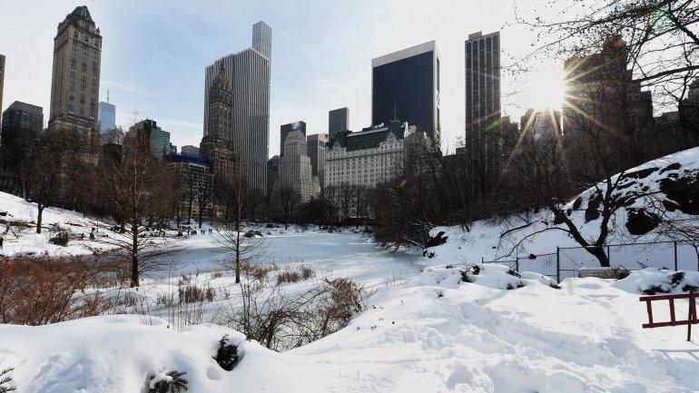 millones de personas en el este deEstados Unidosintentan volver a la normalidadtras la feroz nevada del fin de semana,