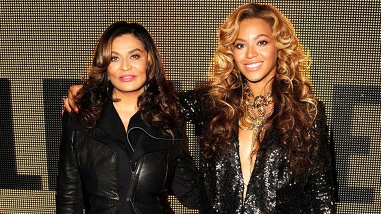 Tina Lawson y su hija Beyoncé