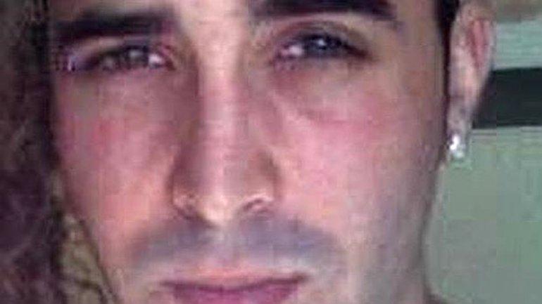 El pederasta tiene 30 años, nació en Sevilla y es músico. Tiró por la ventana a la bebé cuando fue descubierto por la madre en pleno abuso sexual
