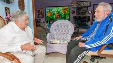 José Pepe Mujica junto a Fidel Castro en La Habana