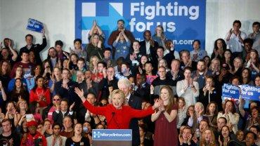 Hillary Clinton celebra el triufo en Iowa