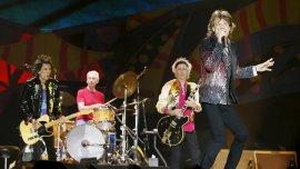 Uno de los momentos emotivos de la velada fue cuando Keith Richards tocó You got the silver y Happy con una guitarra acústica