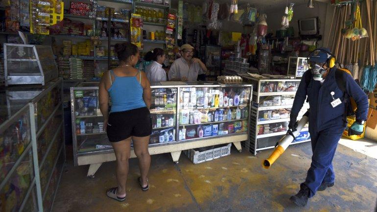 Fumigaciones de mosquitos en Colombia