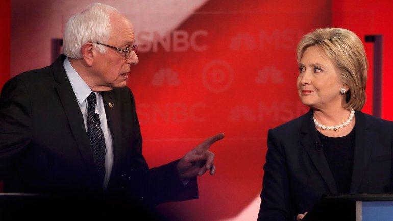 Bernie Sanders y Hillary Clinton, los candidatos en la carrera demócrata