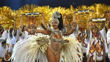 Las scolas de Sao Paulo se anticipan al carnaval de Rio de Janeiro