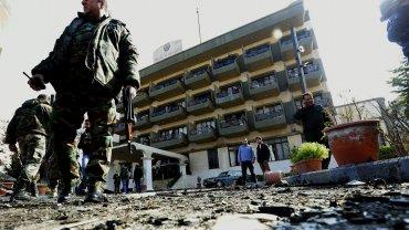 Un choche bombre estalló frente a la sede de un club de oficiales en Damasco, capital de Siria