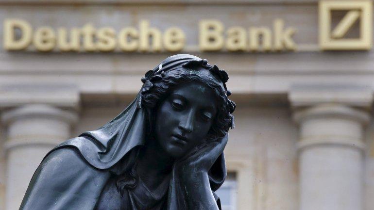 Deutsche Bank, el mayor banco de Alemania, sufrió en 2015 una pérdida récord de más de 7.600 millones de dólares.