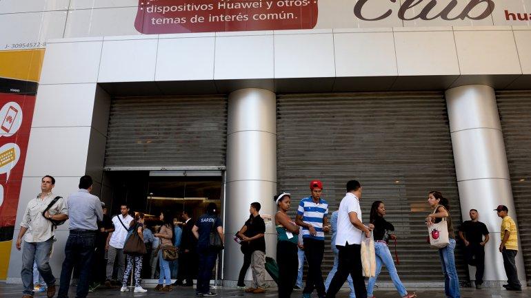La decisión afecta a más de 250 centros comerciales