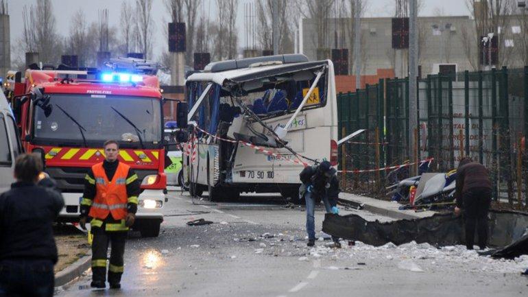 Seis adolescentes murieron hoy en un accidente entre un autobús escolar y un camión en el departamento de Charente-Maritime