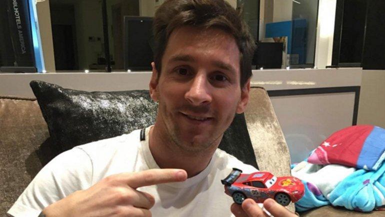 El nuevo auto que dicen que compré, publicó Lionel Messi junto con la imagen