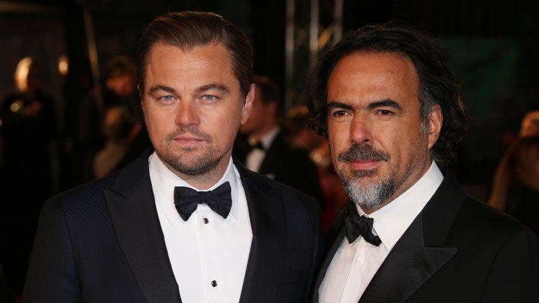 Alejandro González Iñarritu asistió a la entrega de los Bafta, en Londres, acompañado por Leonardo Di Caprio, protagonista de The Revenant