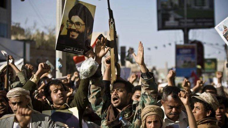 Miembros de Hezbollah demuestran la devoción por su líder,Hasan Nasrallah
