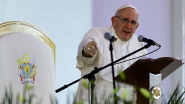 El papa Francisco acusó a los traficantes de armas del atentado en Bruselas