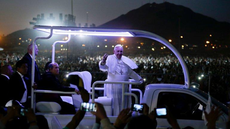 El papa Francisco rumbo al aeropuerto en Ciudad Juárez