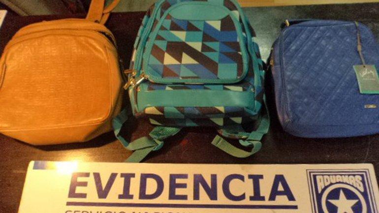 Las tres mochilas de doble fondo donde se encontró casi medio kilo de metanfetamina