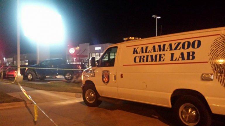 Al menos cinco personas murieron a raíz de los disparos de armas de fuego de un tirador desconocido