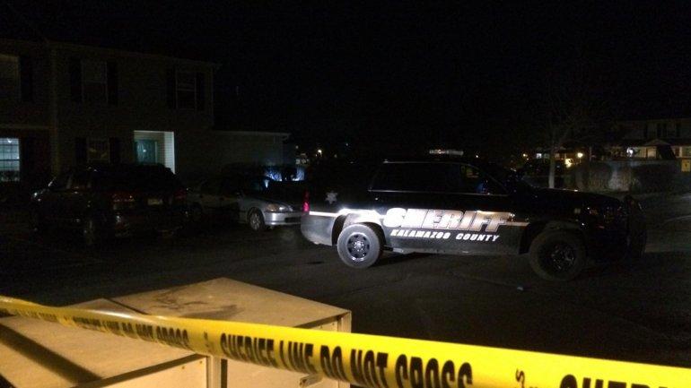 Una mujer fue trasladada al hospital con múltiples heridas de bala