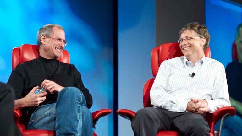 Steve Jobs, fundador de Apple, y Bill Gates, creador de Microsoft